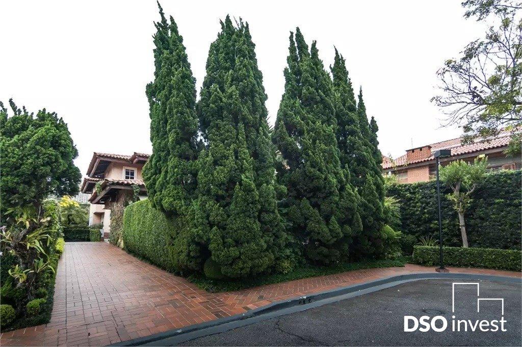 Casa em Condominio - Jardim Luzitânia